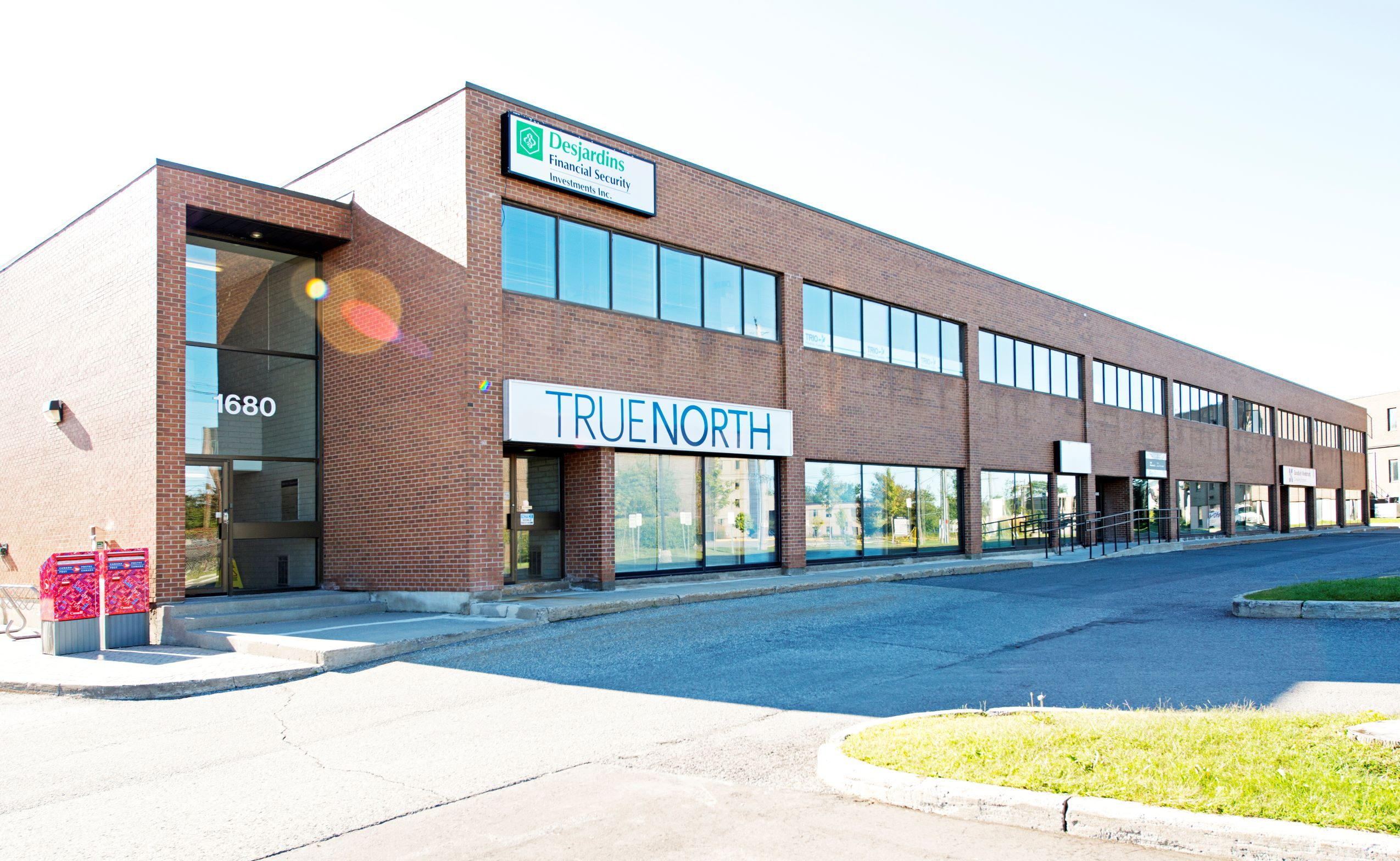 UNIT 215 | 1680 WOODWARD DRIVE